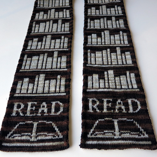 Book Lover Scarf Pattern – 20% Off for First Week!